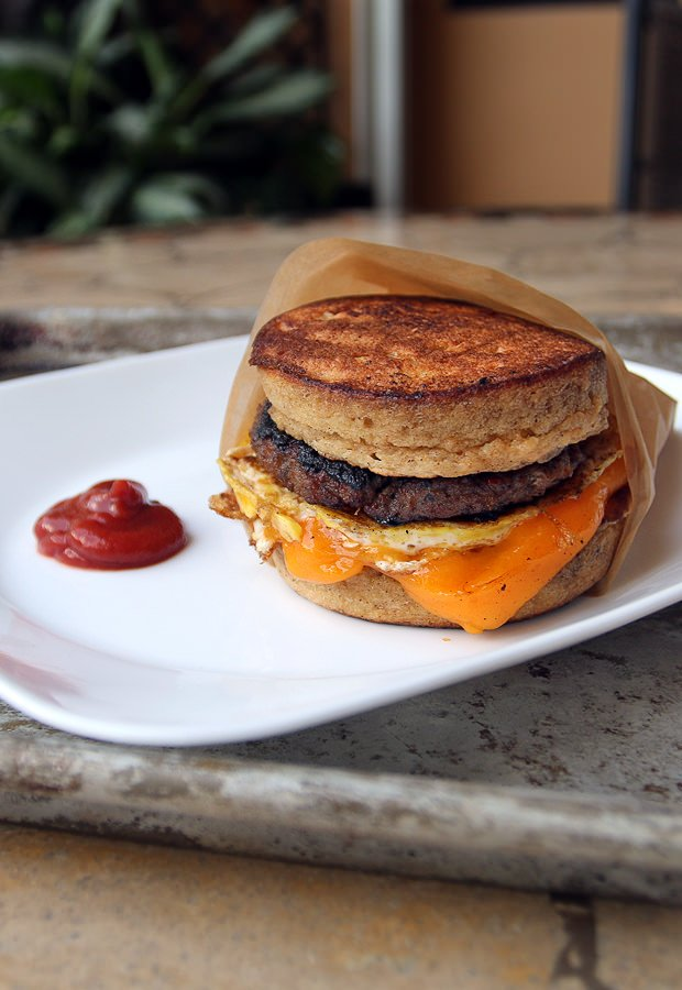An awesome #keto replacement for a favorite fast-food breakfast: The McGriddle. Shared via www.ruled.me/